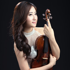 ジヨン・ユーンの写真1
