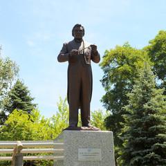 レナード・バーンスタイン像